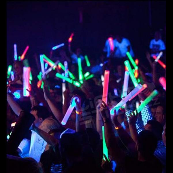 Pěnové LED mávátko barevné